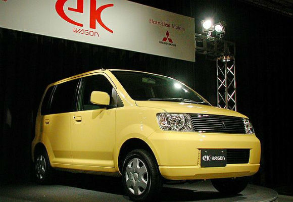 Mitsubishi EK Wagon M with Moving Passenger Seat