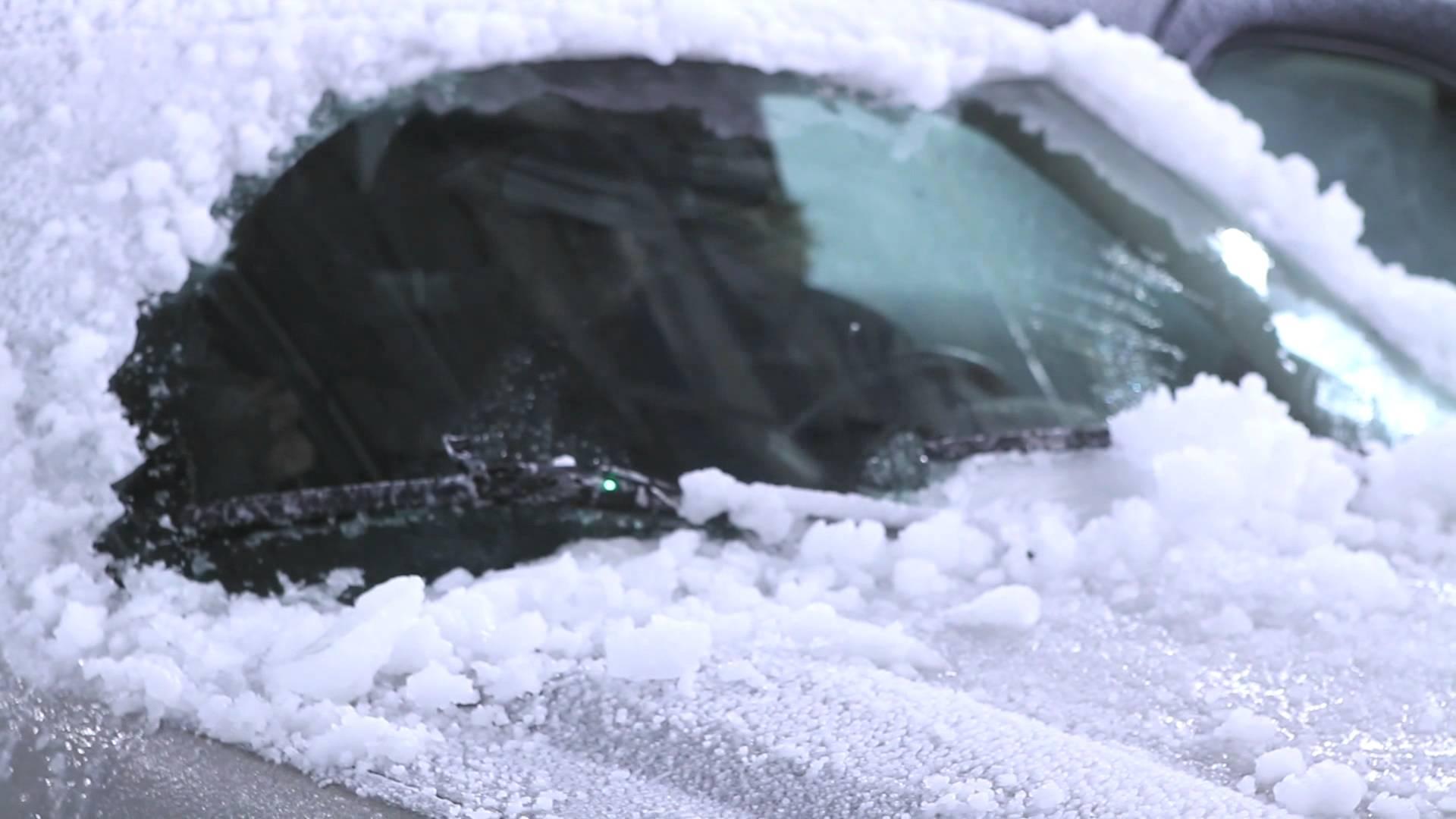 Как ухаживать за дворниками и стеклами автомобиля зимой