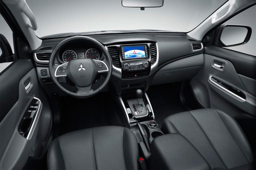 Характеристики автомобиля Mitsubishi L200 2.4 DI-D MT