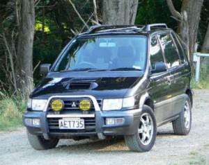 Mitsubishi RVR AT