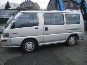 Mitsubishi_L300