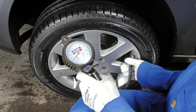 Сколько нужно атмосфер для накачки колеса